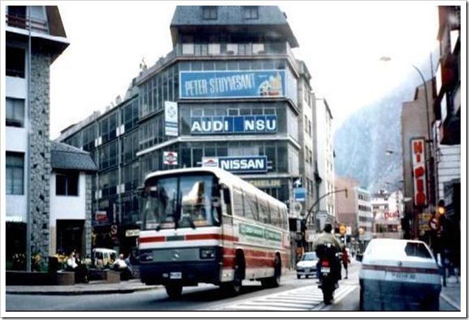 3130015-TRAFFIC_IN_ANDORRA_LA_VELLA-Andorra_la_Vella
