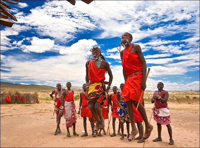ken maasai-warriors-dancing-in-maasai-mara_