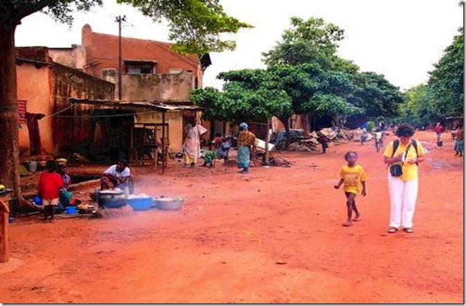 BURK Main_street_Kibidwe-Bobo_Dioulasso