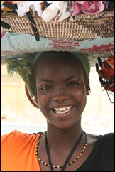 Senegal_-_salesgirl_in_Dakar