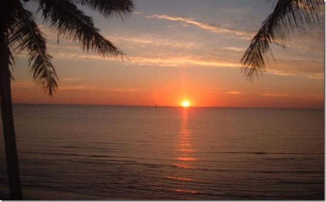 MO Sun_rises_over_Maputo