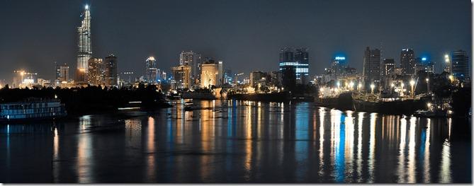 VI Saigon_from_saigon_river