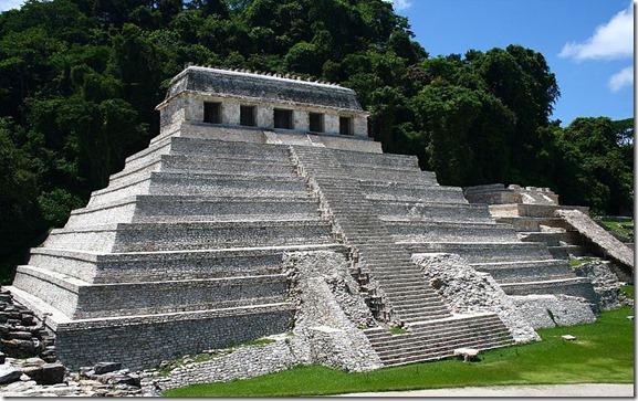 Palenque_temple_1