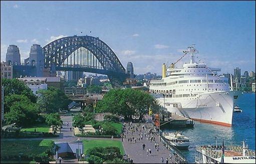 Canberra_1961-25-Sydney