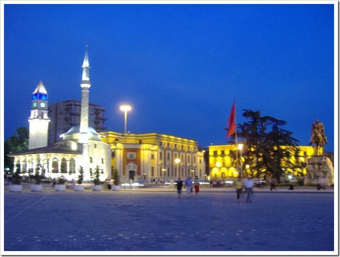 Tirana-by-night-0
