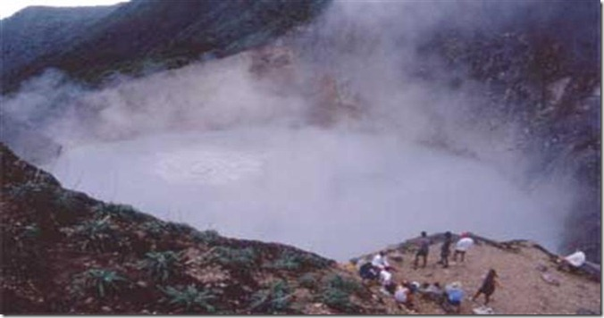 Dominica_Boiling_Lake_(Small)