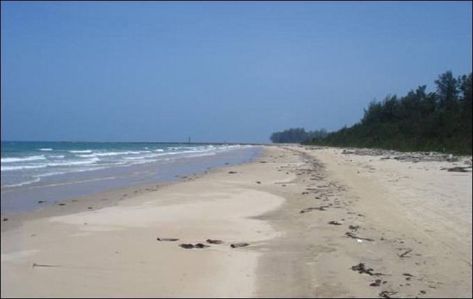 BRUmuara_beach-Brunei_and_Muara