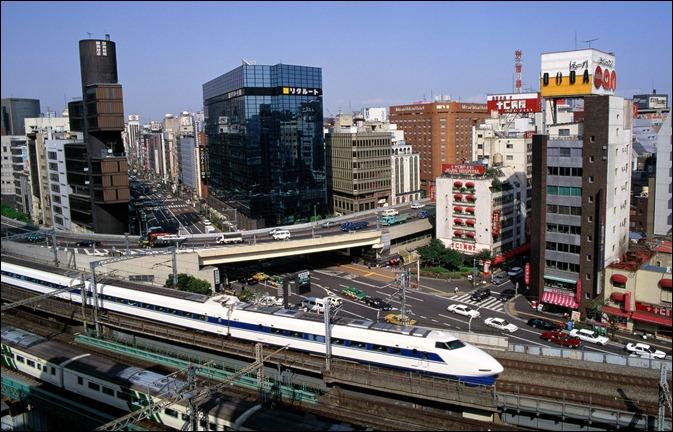 JAP Tokyo,_Bullet_Train_-_Ginza_District,_