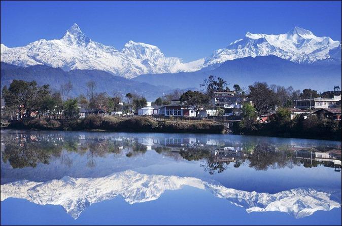 NEfewa-lake-valley-pokhara-nepal