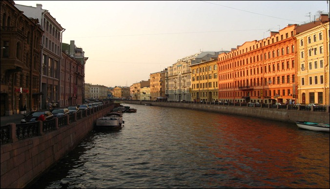 Russia-St-Petersburg-canal-