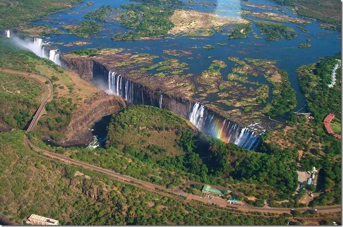 ZIMB Victoria_Falls-1