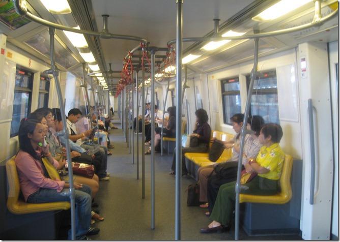 TAIBangkok_Skytrain_interior