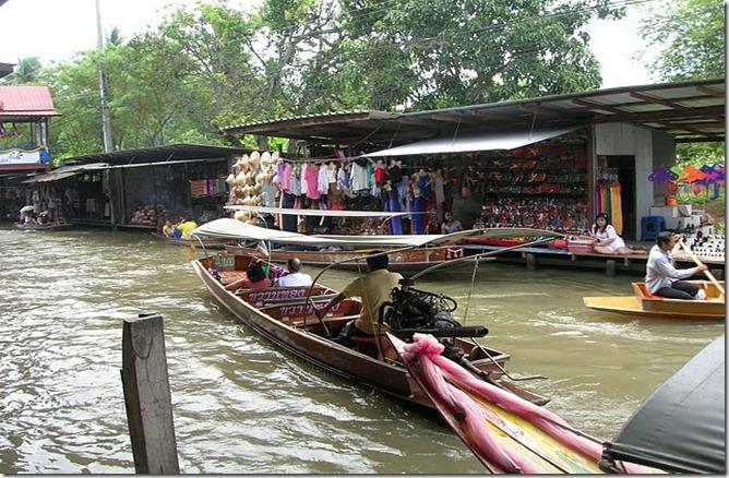 TAIThailand-Floating-Market_Damneon-Saduak