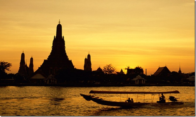 TAI Wat_Arun,_Bangkok,_Thailand