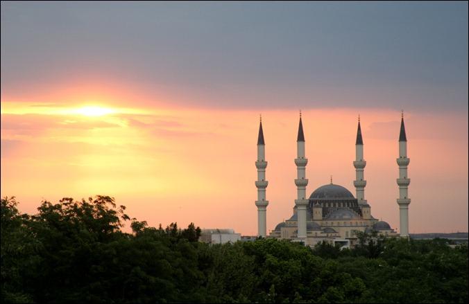 TURKErtugrul_Gazi_Mosque_in_Ashgabat,_Turkmenistan