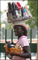 Ghana_-_Streetvendor_in_the_streets_of_Accra